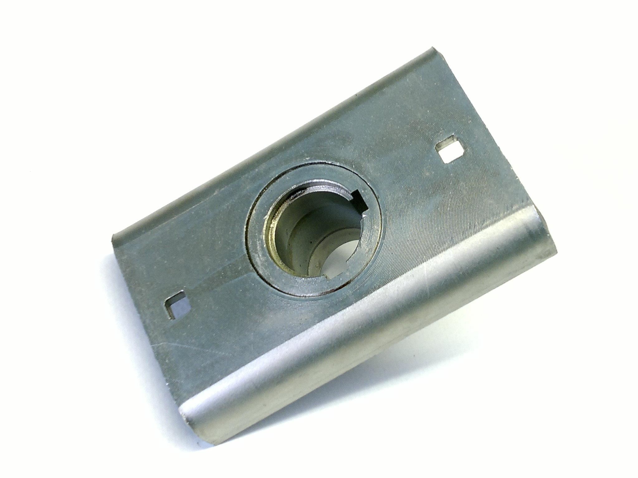 H = 100 mm Ø Zentralbohrung = 22,2 mm Messerkupplung
